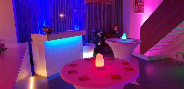 Verlichte bar bij feest thuis