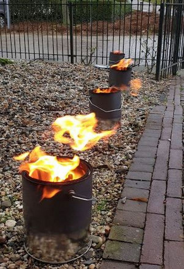 vuurpotten bij de ingang
